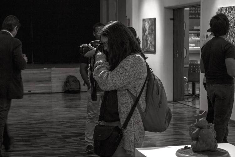 Fotógrafa, Quito - Ecuador. pho - davidpinto | ello