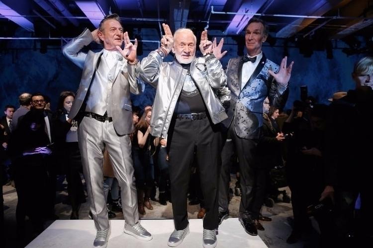 Nick Graham, Buzz Aldrin, Bill  - maggie | ello