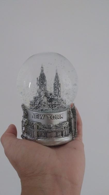 Snow Globe... Lindo - nathdeoliveira | ello