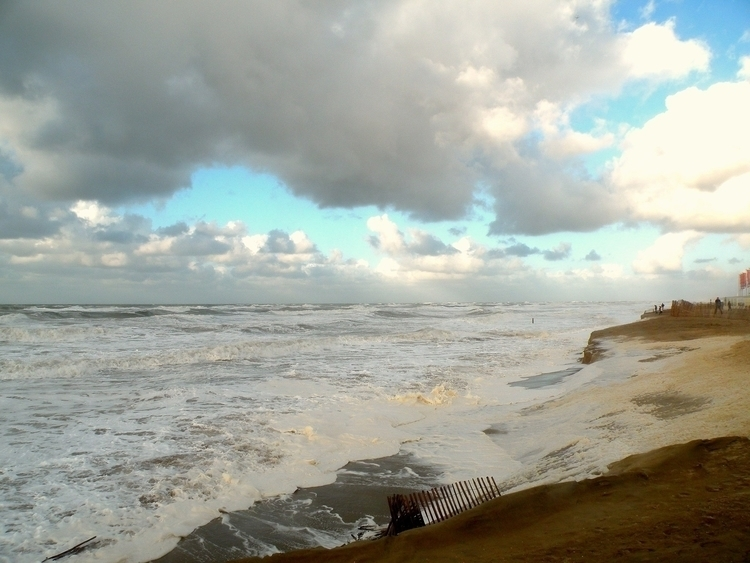 Stormy weather Dutch coast - publiart | ello