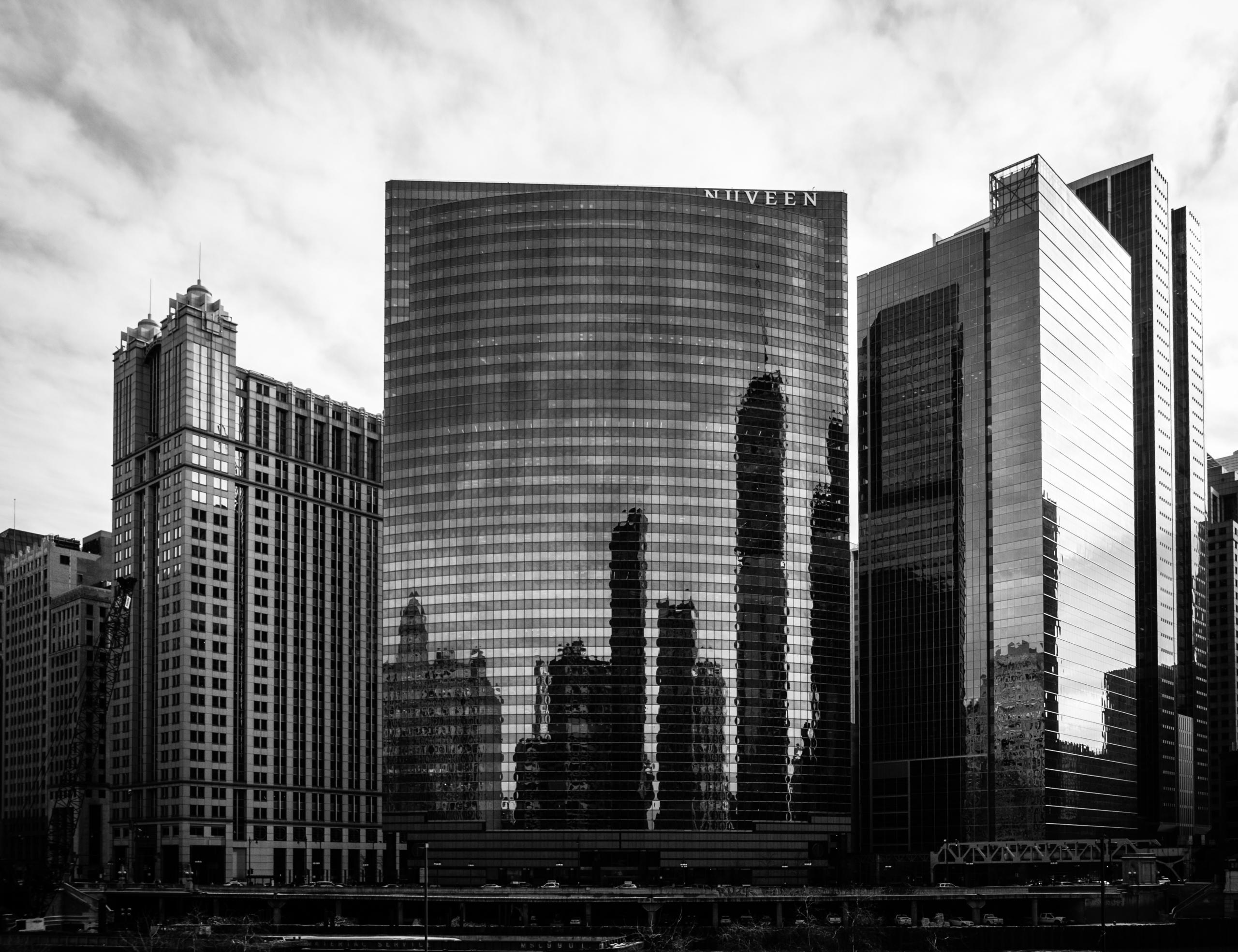 high-rise 333 West Wacker Drive - junwin | ello