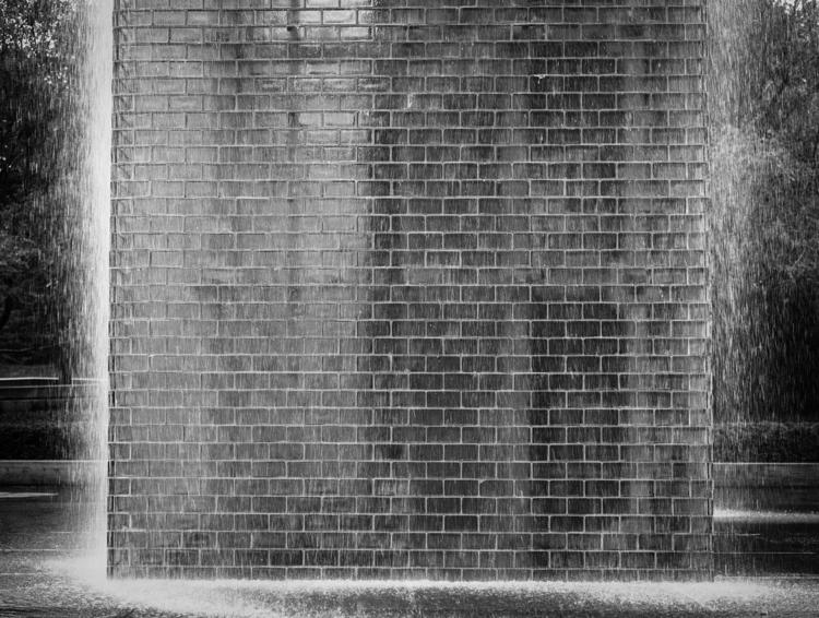 Monolith Nr2 Crown Fountain scu - junwin | ello