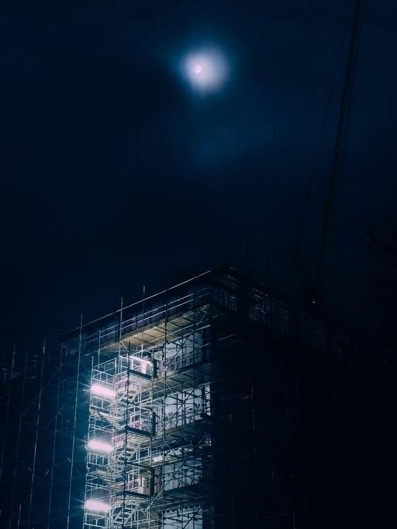 Ladywell Night intimate portrai - fabrik   ello