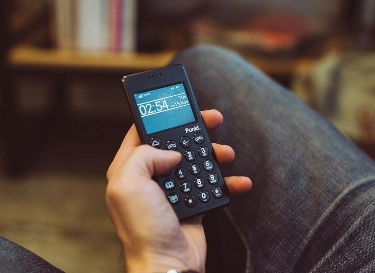 Meet dumb phone market - thefieldmag | ello
