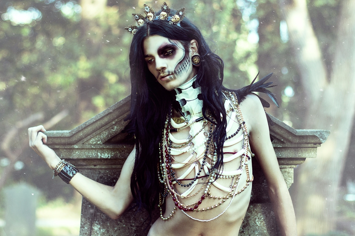 Photographer/Stylist/Chestpiece - darkbeautymag | ello