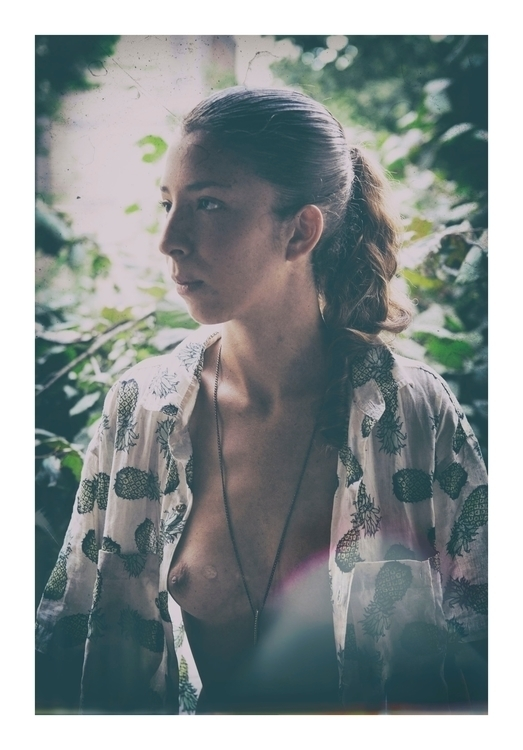 Denise - woman, ananas, portrait - choukhridje | ello