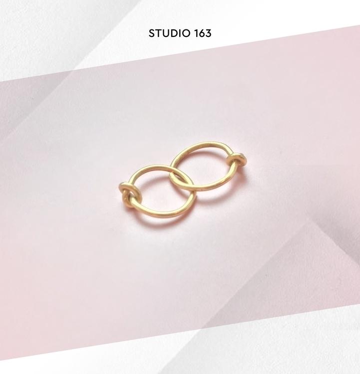 Golden knot hoops ISAGER Signe  - studio163 | ello
