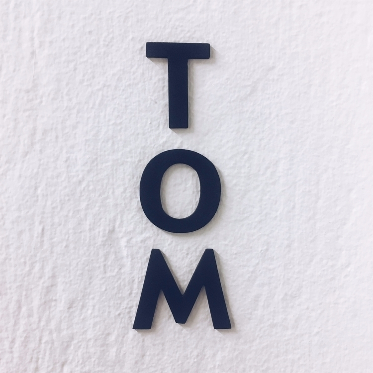TOM 3 letters wall today - vivlio | ello