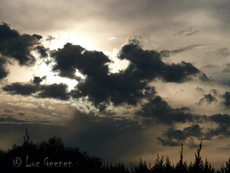 Evening skies Booischot - lucatthis | ello