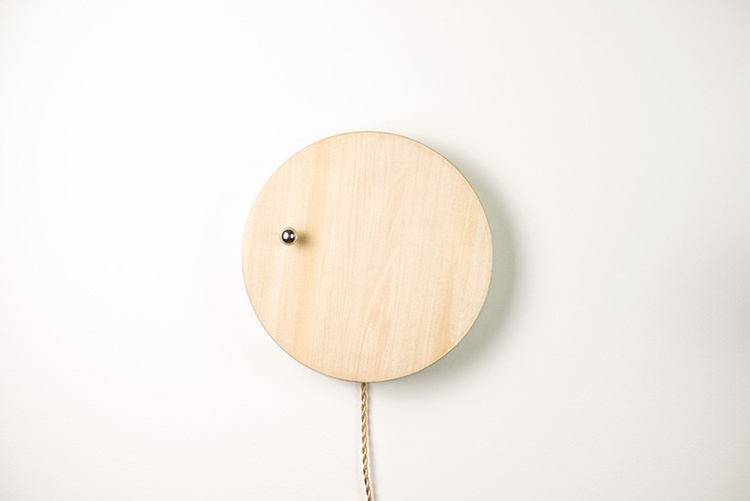 STORY, levitating clock - lucian | ello