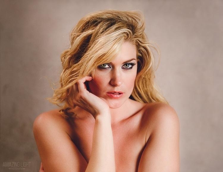 Eyes Model: Julie Ernes Locatio - russellcardwell | ello