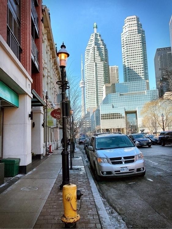 Simply gorgeous downtown Toront - raynanator | ello
