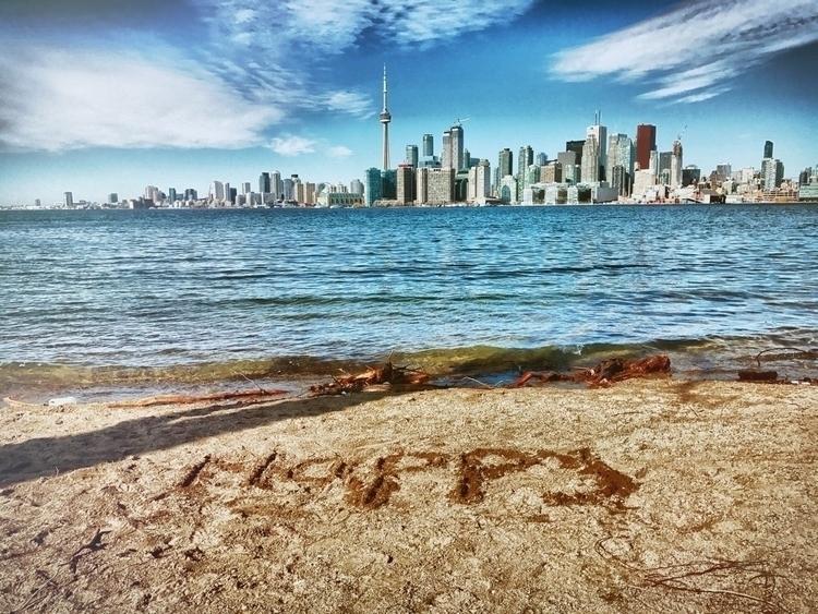 Happy pursue - TorontoIsland - raynanator | ello