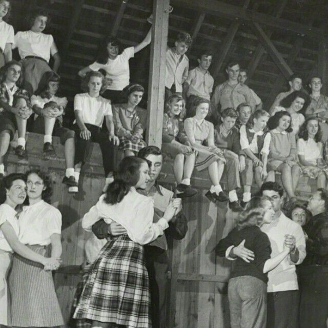 1946 - carolhowell | ello