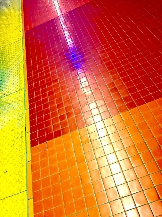 Find colour - colours, metro, montreal - vstg   ello