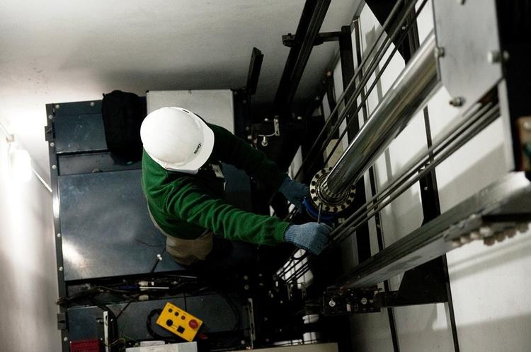 Uma qualificada Manutenção de E - elevadoresqualita | ello