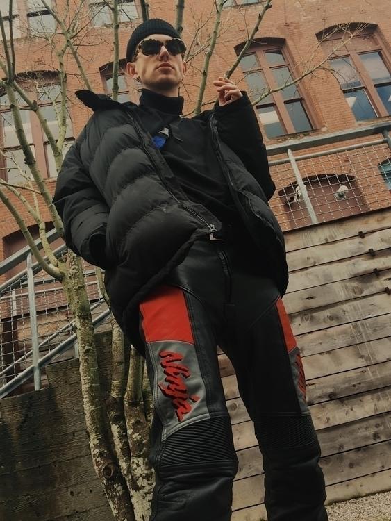 Ninja Model: | - ellofashion, vscocam - joe_roslie | ello