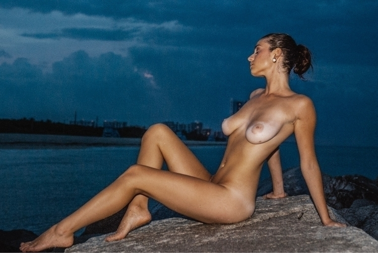 cameracrush, nudeart, posing - cameracrush | ello
