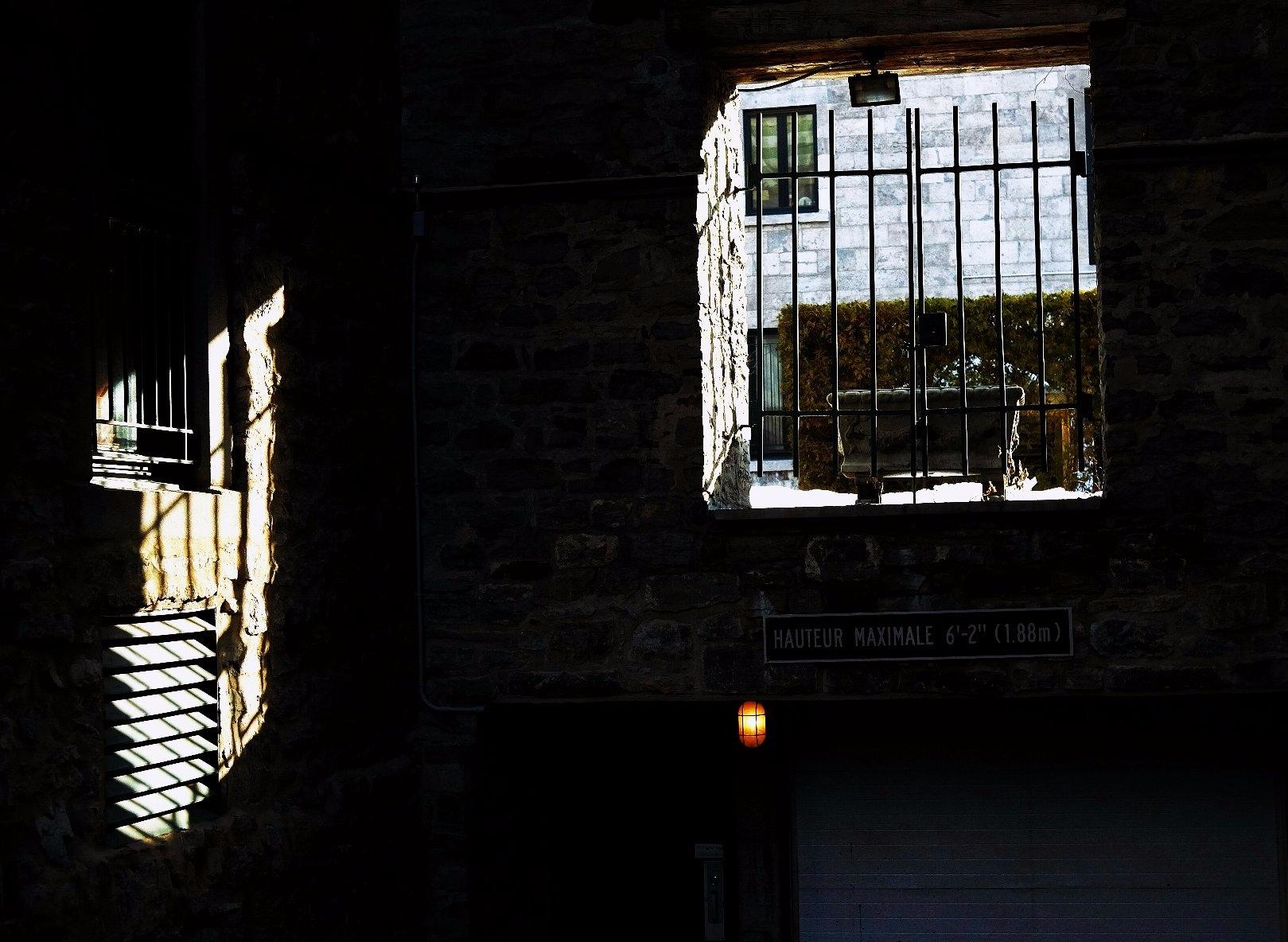 Light bench - light, shadow, constrast - maximemartin | ello