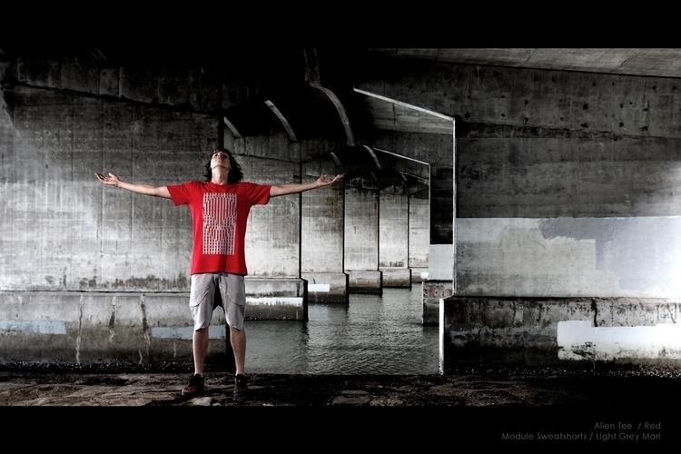 Alien Tee / Red - hypnopencil, streetwear - hypnopencil | ello