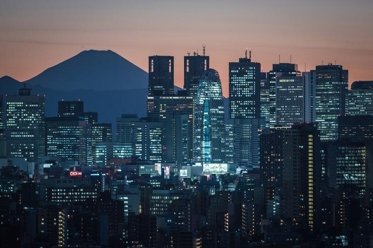 Urban building Mount Fuji. - yoshirou   ello