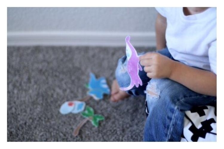 simple toys stretch imagination - whiletheyslept | ello