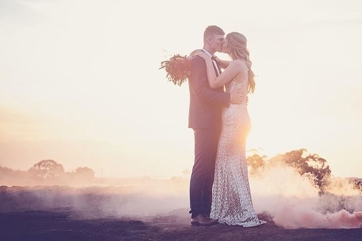 Desert sunset Renee Lee - wedding - weddingplaybook | ello