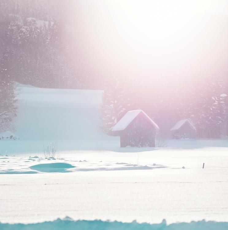 Pink winter day. huts — Teeteri - 8moments   ello