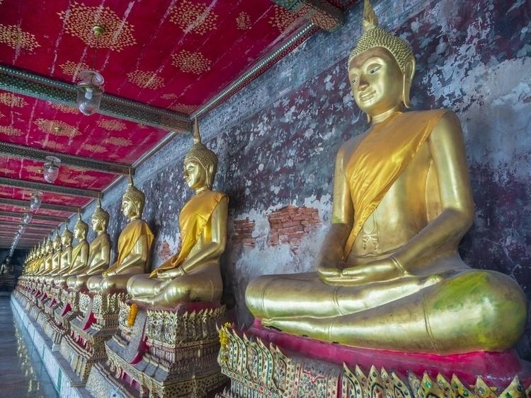 Wat Suthatthepwararam, Bangkok  - travischau | ello