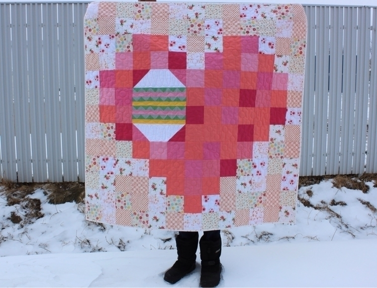 Easter quilt: Egg Pixel Heart.  - daydreamsofquilts | ello