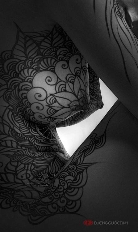 tits, henna, bodypaint, blackandwhite - ukimalefu | ello