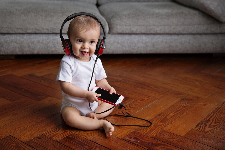 Music lover - babyphotographer, lifestylephotographer - lisatichane | ello