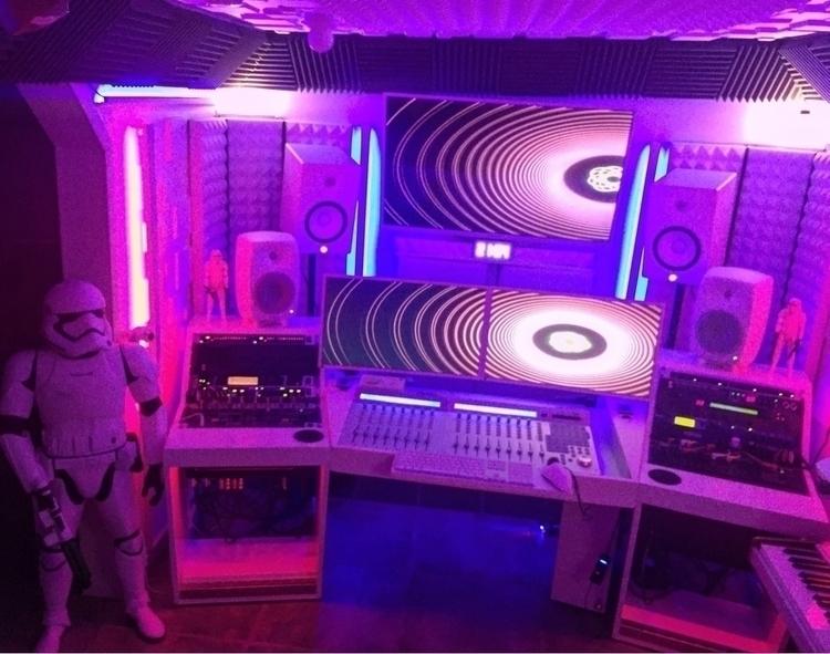 Friday session studio - genelec - talla3 | ello