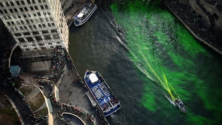 Chicago River dyed green St. Da - chicagotribune | ello