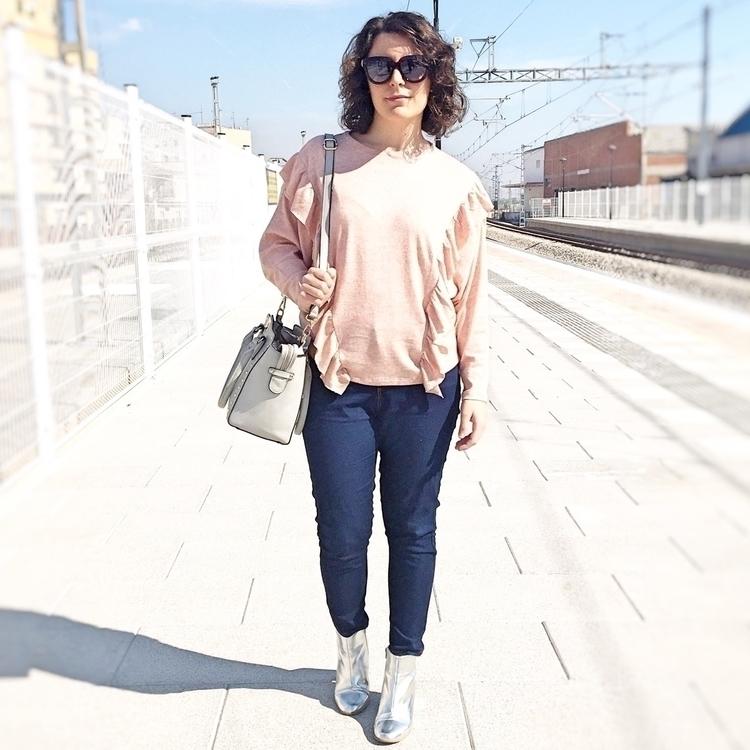 Camiseta rosa con volantes meta - mivestidoazul | ello
