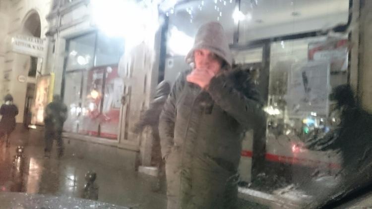 Warsaw, raining, goodbye, cigarette - nukta | ello