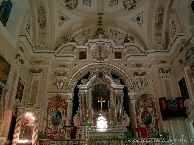 fraction ( , ): Main altar Chur - milanofotografo | ello
