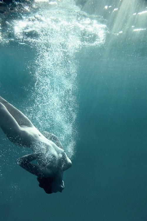 """Dive"" — Photographer:Marios T - darkbeautymag | ello"