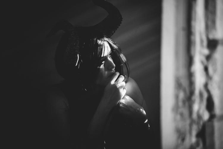 """Dama de Negro"" — Photographer - darkbeautymag | ello"