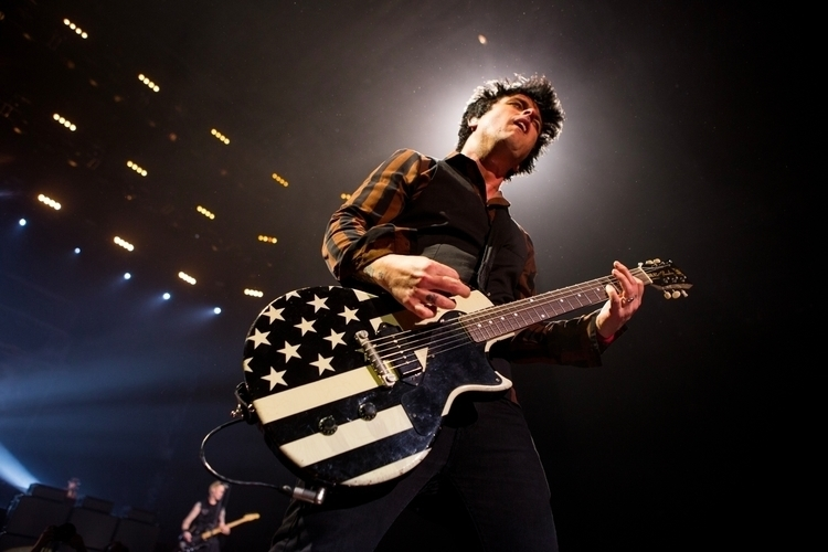 proc green day performing - 750×500