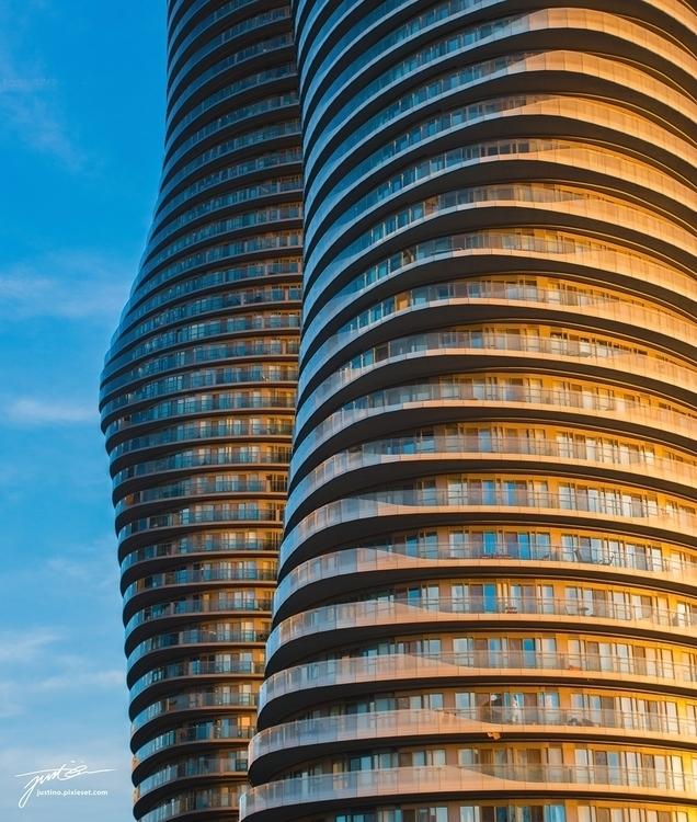 Curves Marilyn Monroe (Towers)  - justinomagalona | ello
