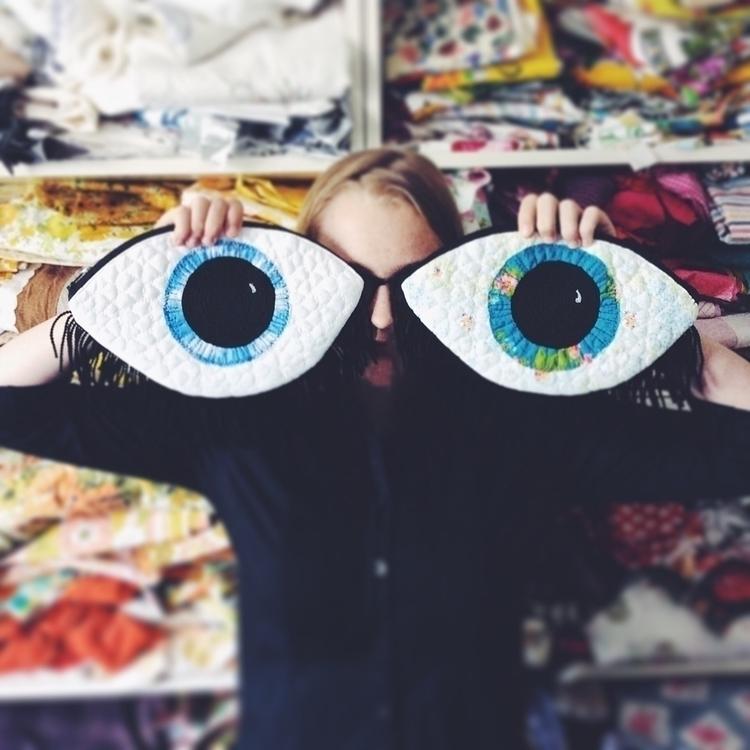 2 blues eyes left store - etsy, etsyau - alittlevintagedoll | ello
