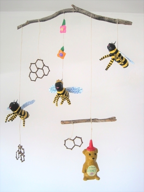God Save Queen! ... Bees!! Prot - jikits | ello