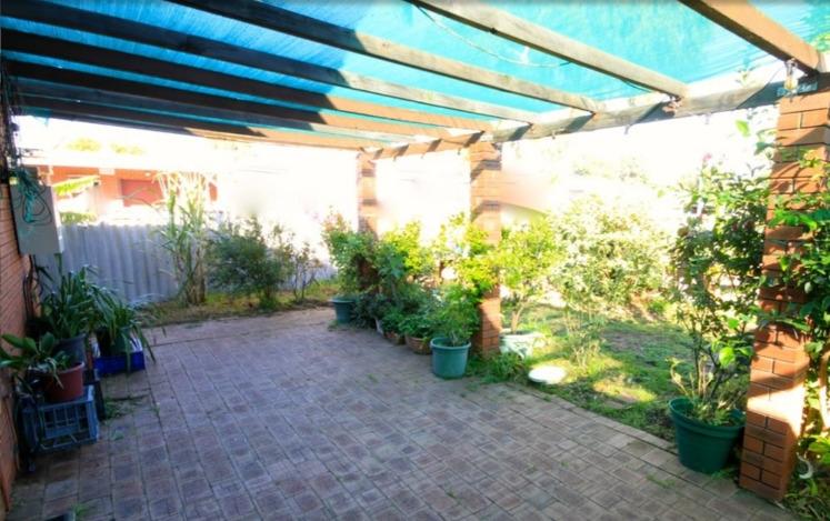 Wonderfully renovated unit Moun - petertaliangis   ello