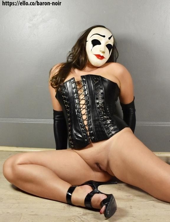 Nude, NSFW, Hot, Sexy, pussy - baron-noir | ello