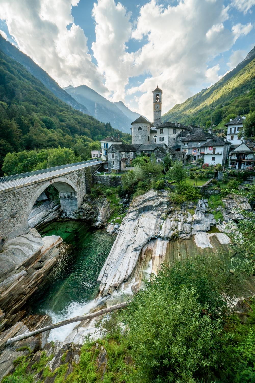 architect loves nature. Ticino  - chrisburkard | ello