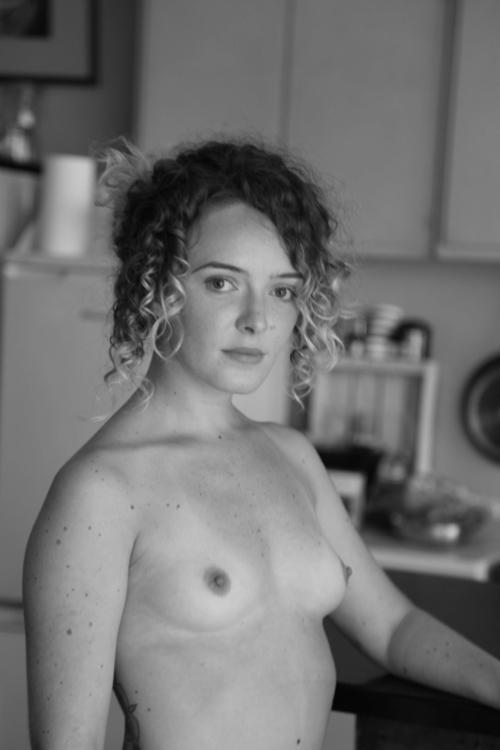 :copyright:amaryllisjoskowicz - women - amaryllisj | ello
