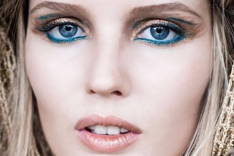 Metallic Eyeliners Compliment m - mytcface | ello