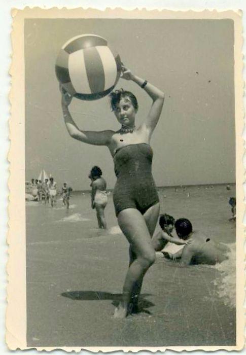 Beach Swimwear - bintphotobooks | ello