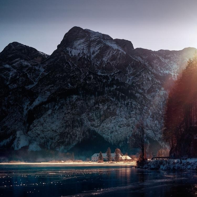 Spare light. foot mountain, win - 8moments | ello